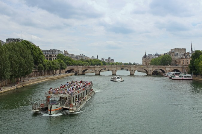 Take a good look at Paris during a cruise on the Seine