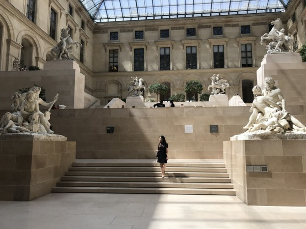 The Louvre Museum; facts, figures and current exhibitions